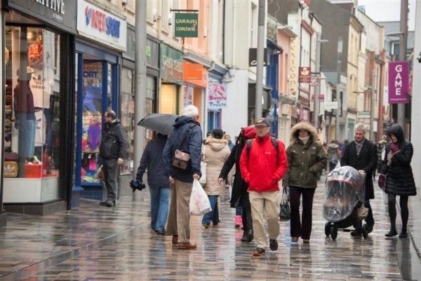 Council Leader welcomes 'cautious' resumption of town centre retail activity