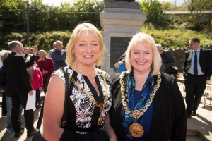 Mayor attends unveiling of Laxey Miner statue
