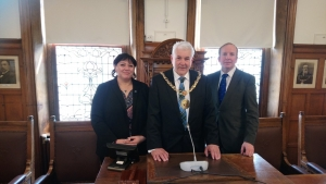 Falkland Islands parliamentarian meets His Worship the Mayor