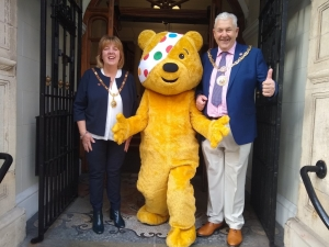 Pudsey pays a visit to Mayor and Mayoress