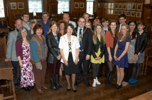 Mayor stages reception for drama festival players
