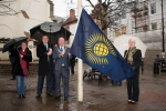 Mayor raises Commonwealth flag